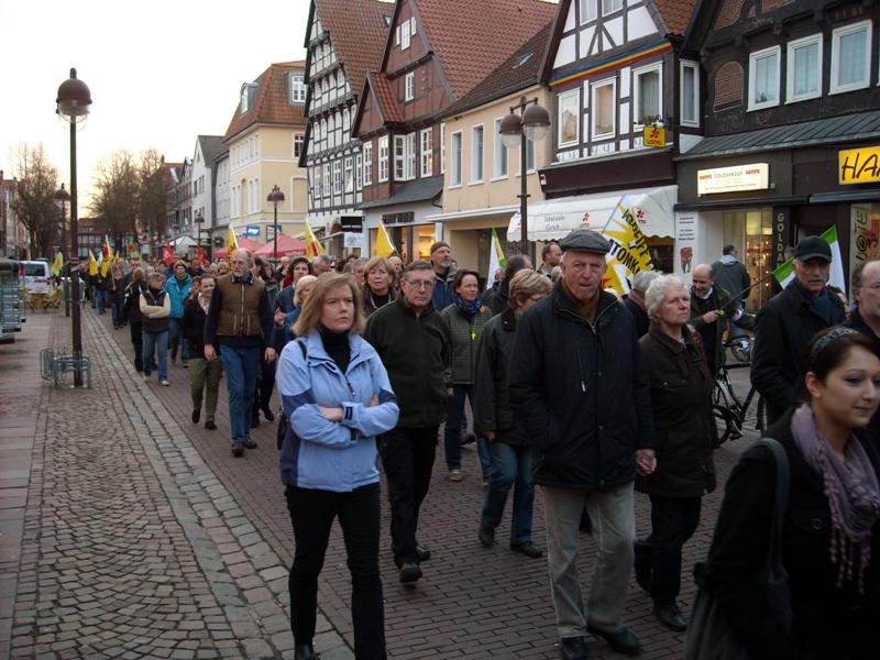 """Küchenfachmarkt Am Südring Nienburg ~ ig metall nienburg stadthagen demo""""abschalten"""" am 21 03 2011 in nienburg"""